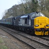 37423 / 37425 approaches Brundall with 2J83 Lowestoft - Norwich 16/3/17