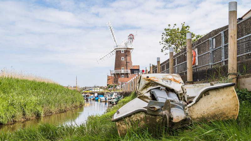 Channel to Cley Windmill