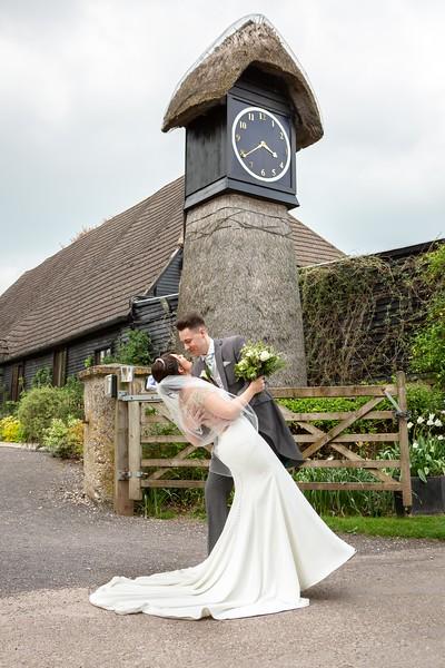 bride-groom-clock-barn-hampshire