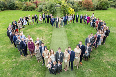 wedding-guests-group-heart-shaped