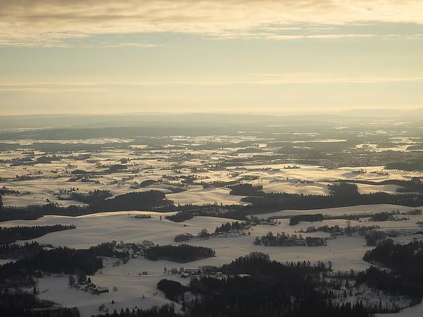 Ullensaker sett fra innflyvningen mot Gardermoen fra sør. Foto: Geir