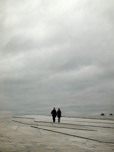 People on the roof. Oslo Opera House.  ********** Folk på taket. Oslo Operahus. (Foto: Geir)