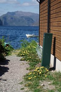 En luke ut mot fjorden. Foto: Geir
