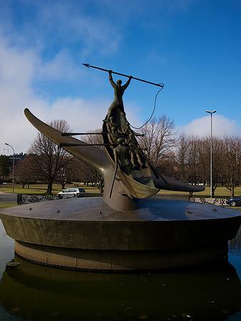 Whale Hunter Monument,Full size version, Sandefjord. ********** Hvalfangermonumentet, i hel størrelse. Sandefjord. (Foto: Geir)