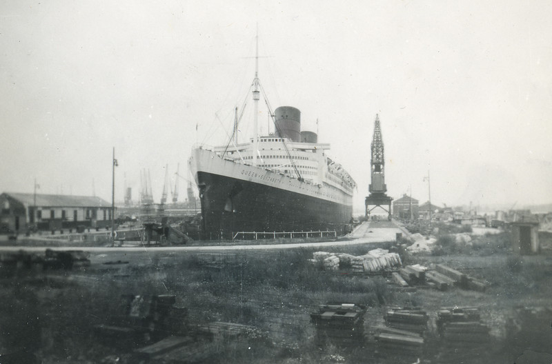 RMS Queen Elizabeth in dock