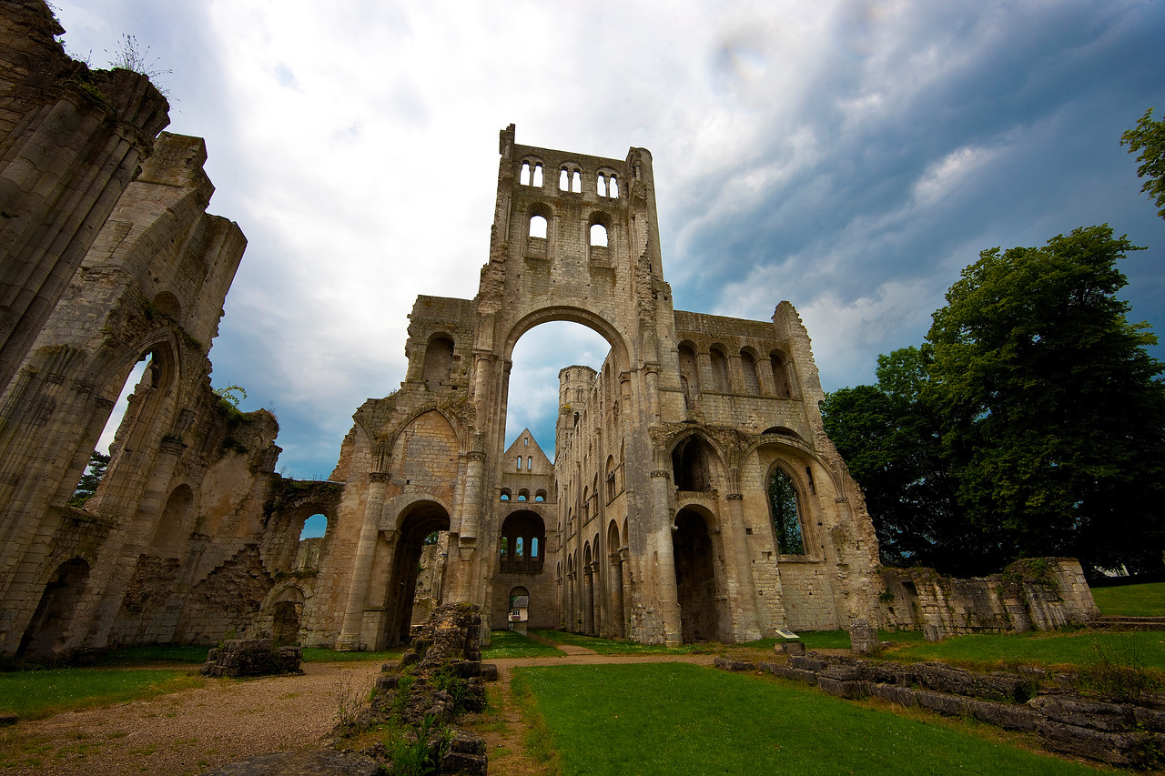 "This is Jumieges Abbey, one of the most spectacular ruins I've ever seen. It's near Rouen (where Joan of Arc was burned at the stake), which you can see on the map earlier in this series. Just as I showed up I heard thunder, and I thought, ""Ooo, this could turn out to be really good light."""