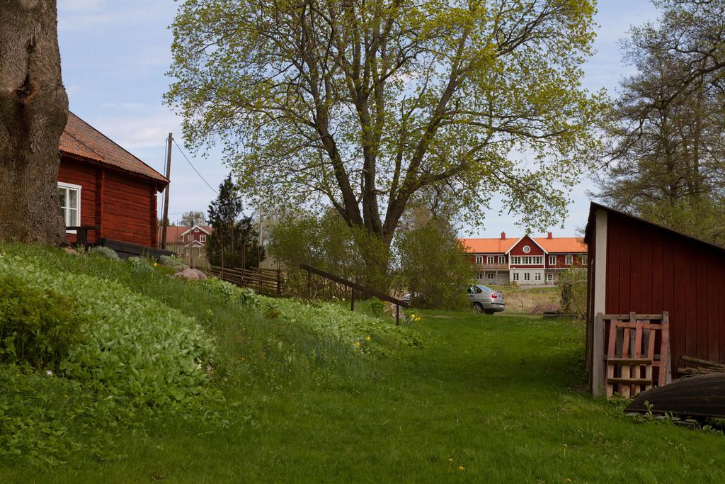 Sjöstugan, Frötuna hembygdsgård,<br /> vid Frötuna kyrksjö, Norrtälje. Församlingshemmet i fonden.