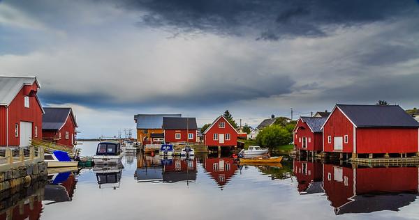 Tettstedet og fiskeværet Bud i Fræna Kommune, Møre og Romsdal