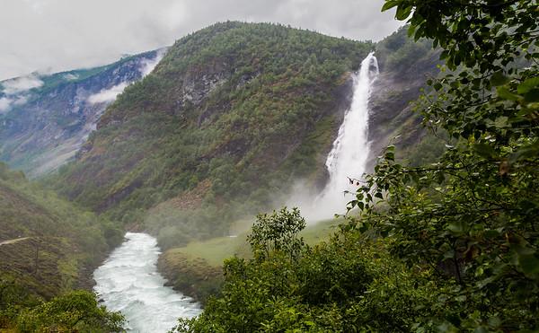 Avdalsfossen i Utladalen, Årdal