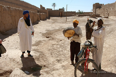With our local guide, we were greeted with Berber music before touring the old, mostly abandoned, kasbah. A gratuity was expected, as always!