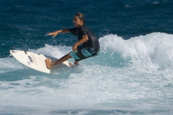 Learnig to surf in Maui