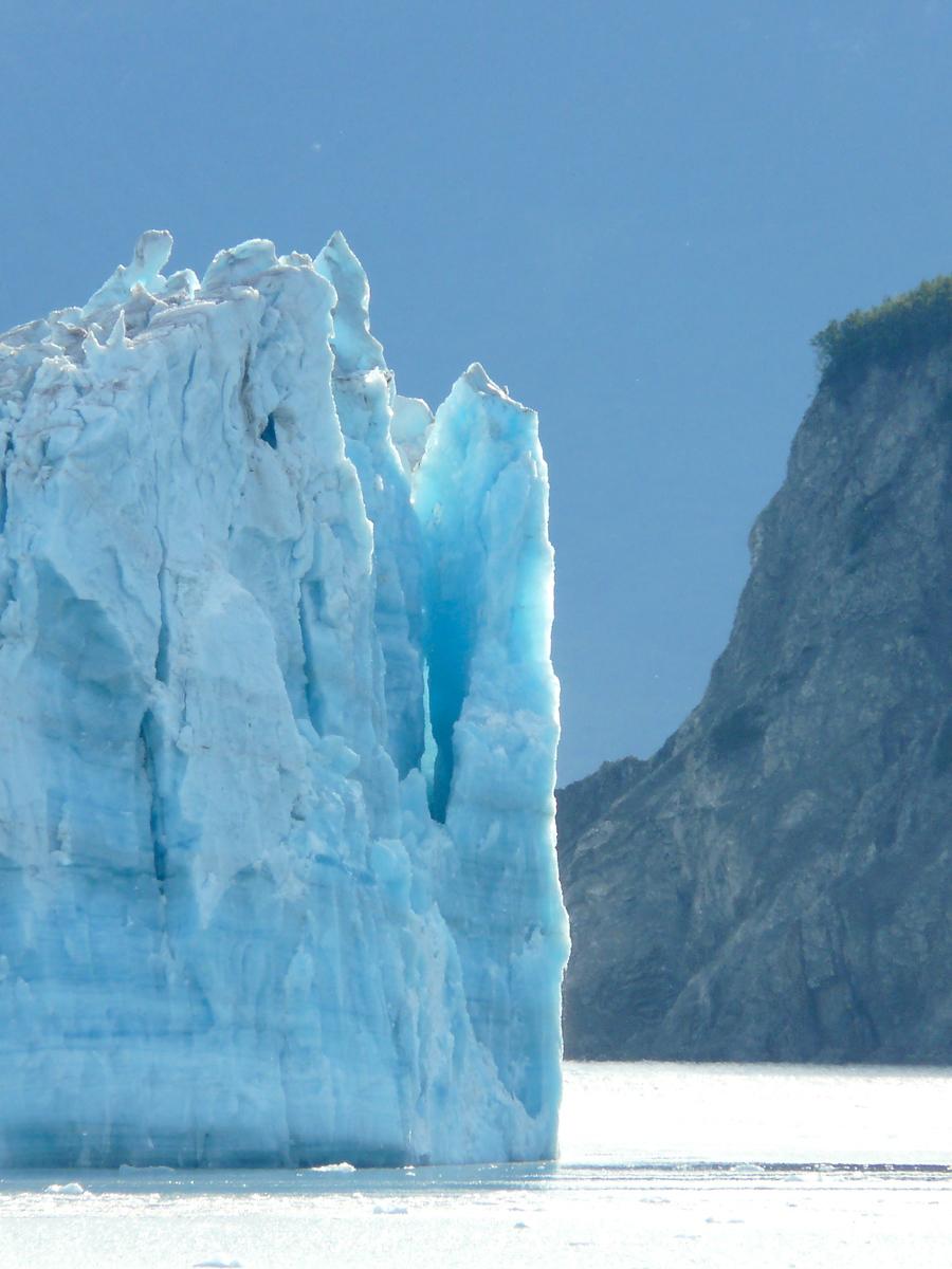 Hubbard Glacier close up