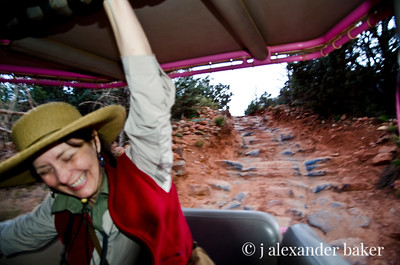 Suzy's Pink Jeep Adventure 3