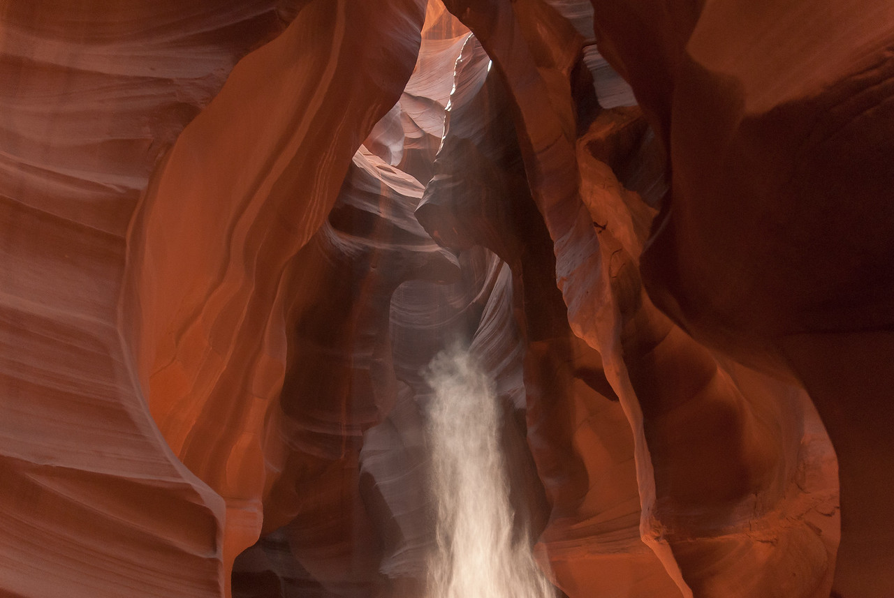 Beam of light entering the Upper Antelope Canyon in Arizona, USA