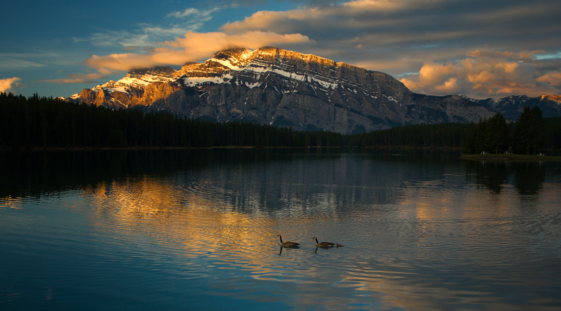 Sunrise over Two Jack Lake with Mt Rundle at back, Canadian Rockies