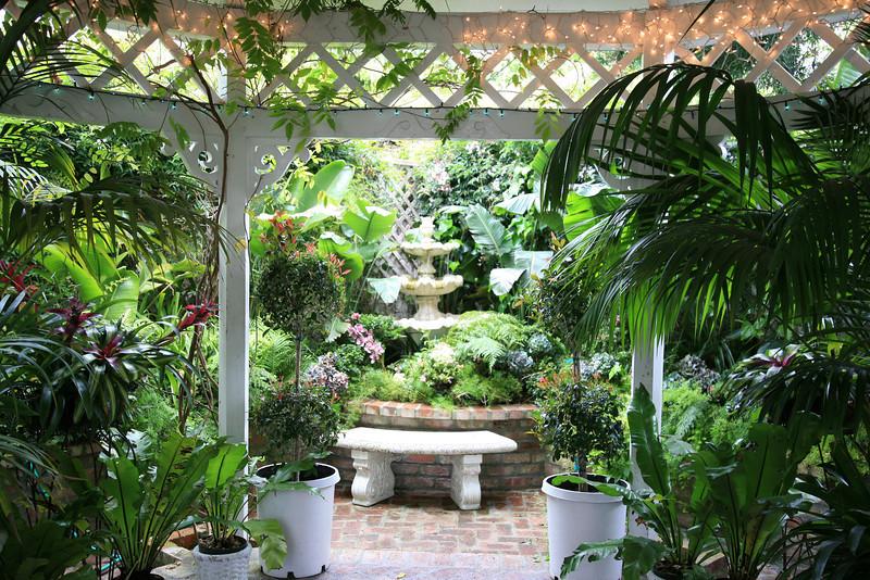 Jacuzzi garden at Mill Rose Inn