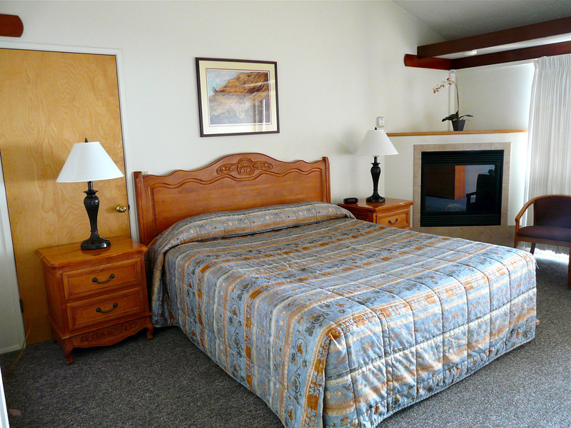 Ragged Point Inn Luxury Room