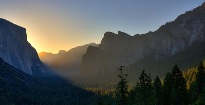 Yosemite Valley from Tunnel View at sunrise