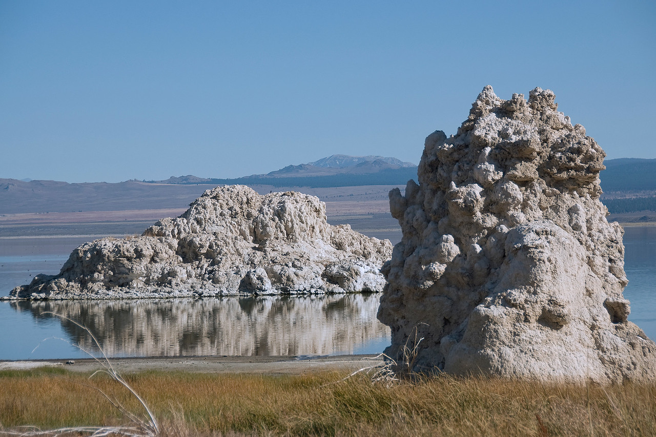 Tufa rock formation in Mono Lake, California