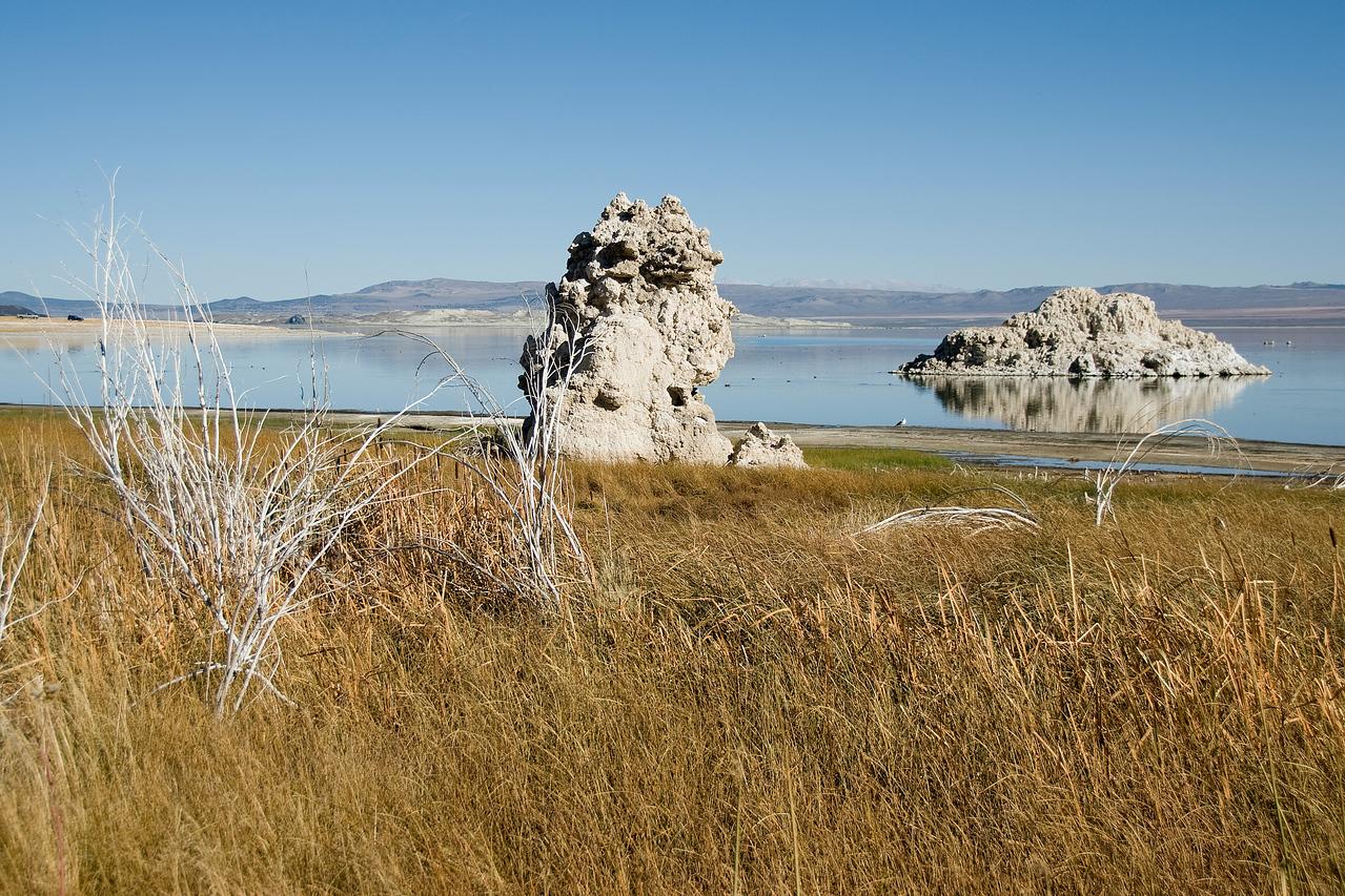 Tufa rock formation in Mono Lake in California