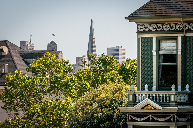 Transameria Pyramid through San Francisco skyline - California