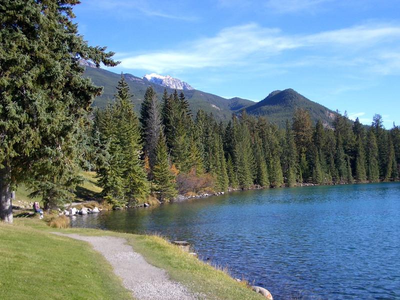 Lac Beauvert, Jasper Park Lodge