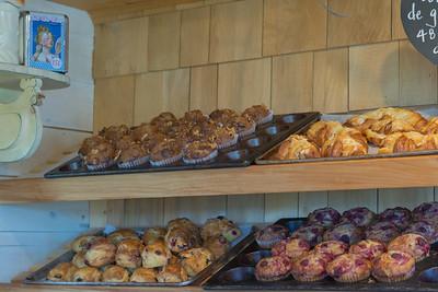 Pâtisserie Helène des Îles ©Pamela MacNaughtan