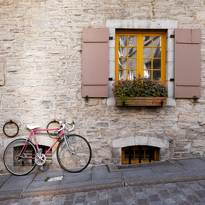Wandering through Place Royale - rue Sous-le-fort