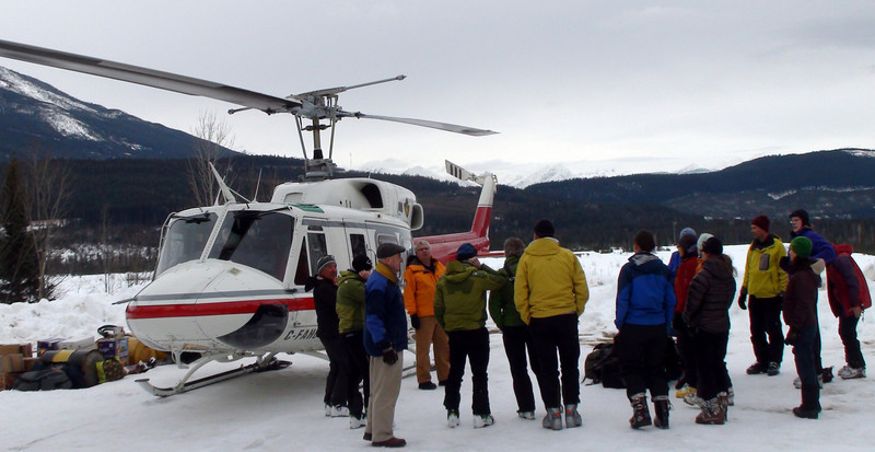 Heli safety briefing in Donald