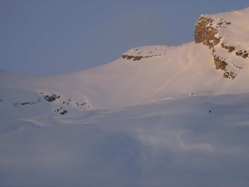 ski descent from the high col - in good conditions only