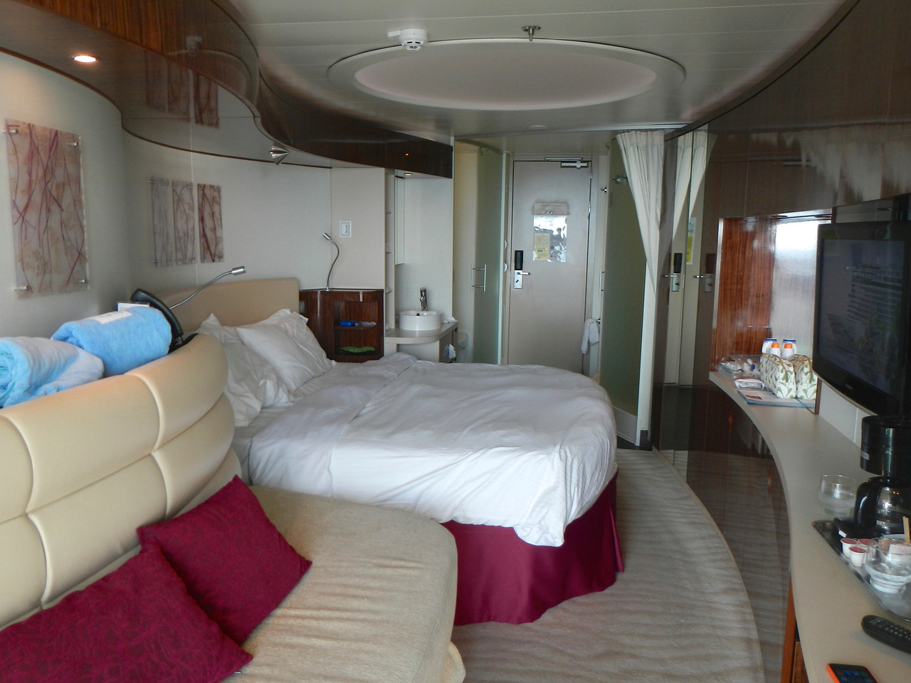 "Our ""mini-suite"" aboard the Norwegian Epic"