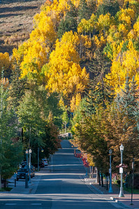 Street with a view of the mountain in Aspen, Colorado