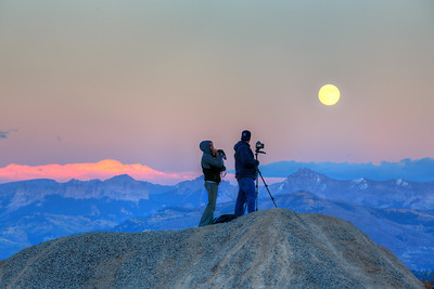 Moonrise over Dallas Divide