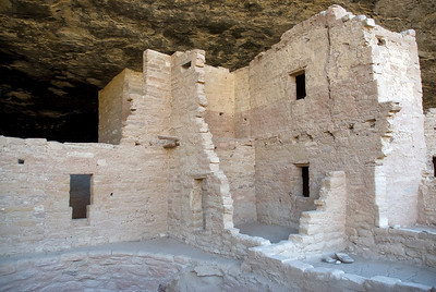 Closer shot of Spruce Tree House in Mesa Verde, Colorado