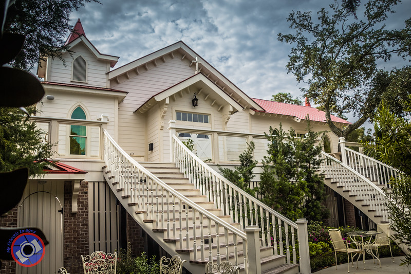 The Tybee Island Wedding Chapel (©simon@myeclecticimages.com)