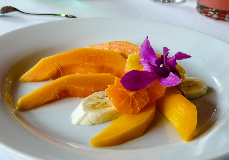 tropical-fruit-plate