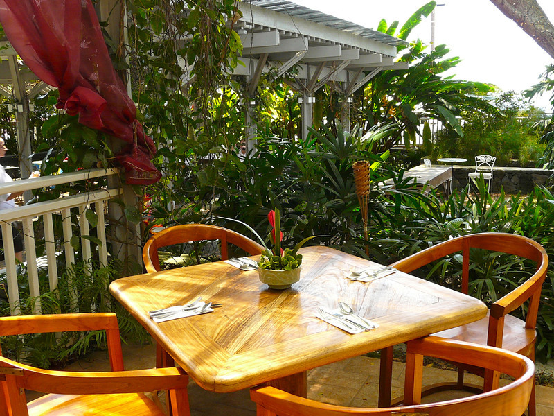 Enjoy a locally source dinner at the Holuakoa Cafe on Hawaii's Big Island
