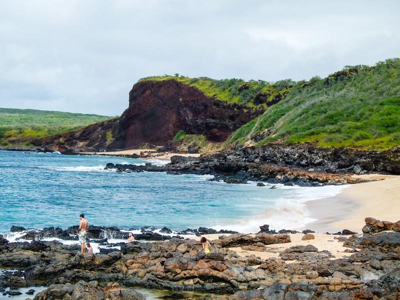 Pohaku Maluilui Beaches