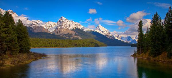 Malign Lake (99631678)