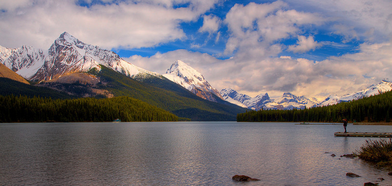 Malign Lake (99631676)