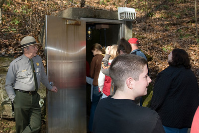 Tourists entering Mammoth Cave in Kentucky, USA