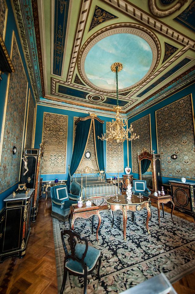 Blue Bedroom, Castillo