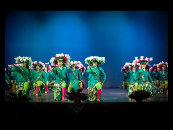Ballet_Folklorico_Mexico_City_3-2012_-2_720-480