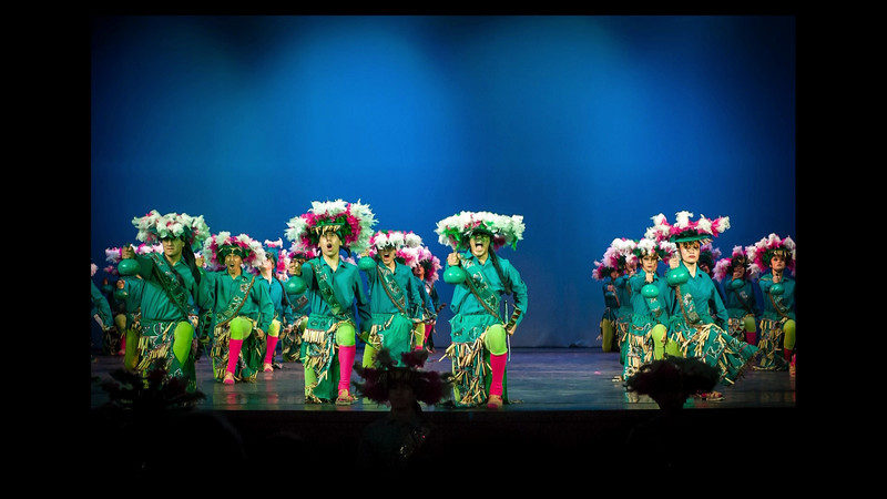Ballet_Folklorico_-_Mexico_City_2012_1080