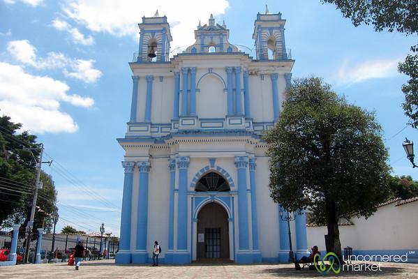 La Iglesia de Santa Lucía - San Cristobal de las Casas, Mexico