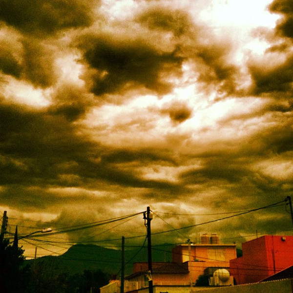 Then the storm rolled in just hours later #Oaxaca #skyporn