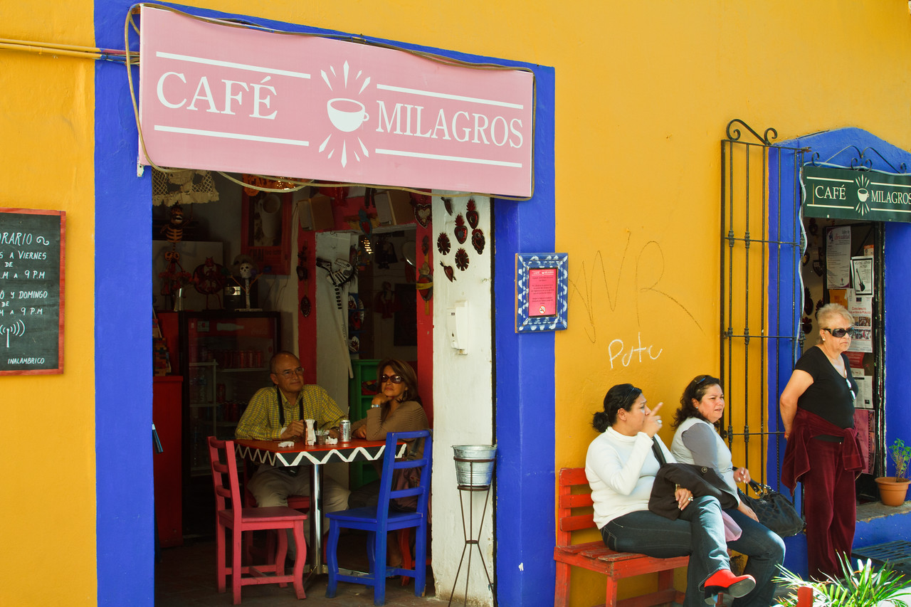 Lovely & colorful street life scene in Puebla.