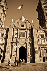 Beautiful light & ambiance at the Cathedral of Puebla.