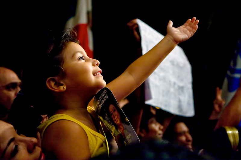Little Girl Cheers on Beatriz Zavala