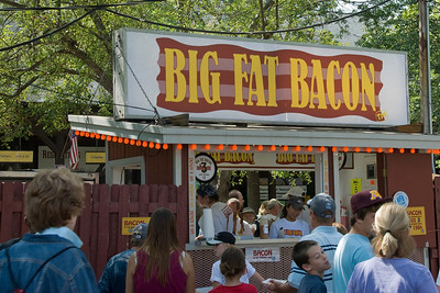 Busy dining stall at the 2009 Minnesota State Fair